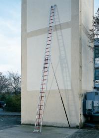 Escalera de aluminio de 2 parte con cuerda y soportes